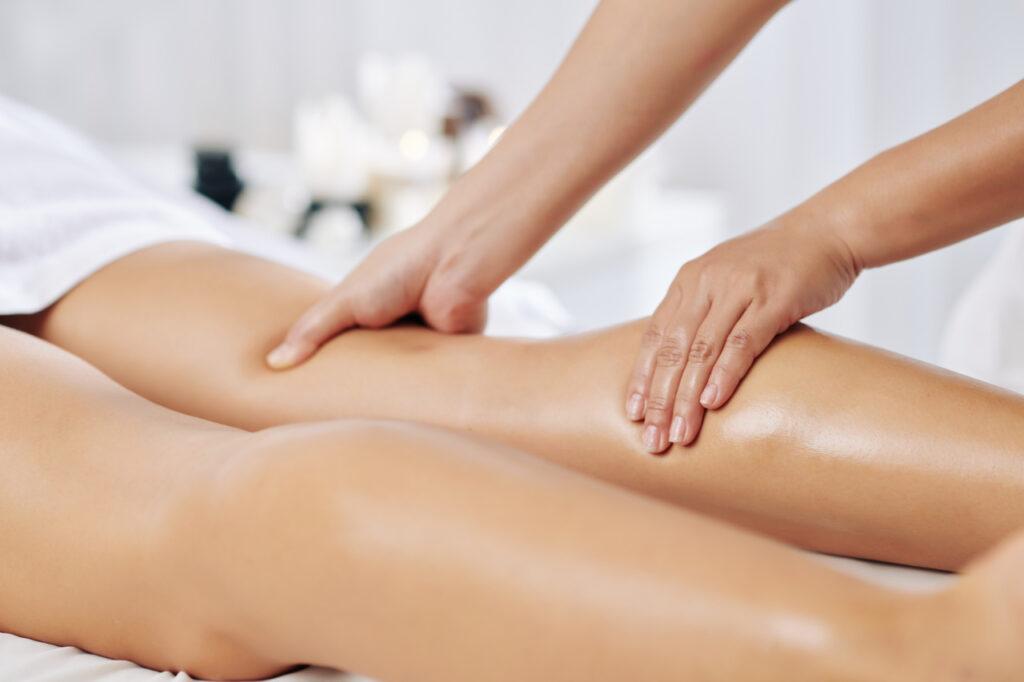 obrzęk limfatyczny nóg - masaż
